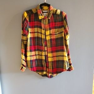 💞3/$25💞 Yellow, Red & Green AE Flannel